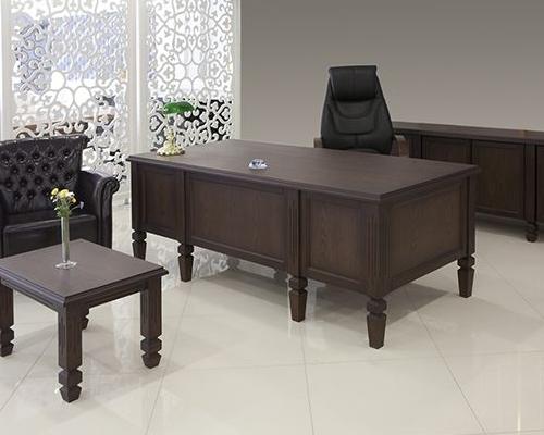 K Tischset aus poliertem Holz